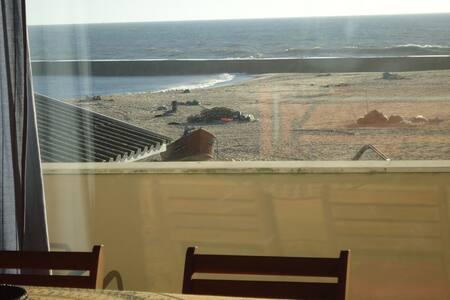 HOUSE ON THE BEACH, Porto,PT - Vila Nova de Gaia - บ้าน