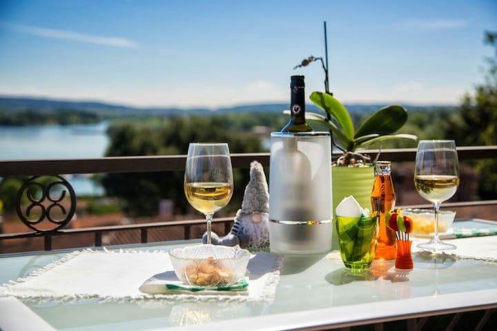 Casa GilMa offre confort relax e camera vista Lago