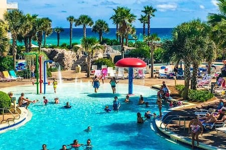Updated Waterscape condo Netflix/umbrella/chairs - Fort Walton Beach - Társasház