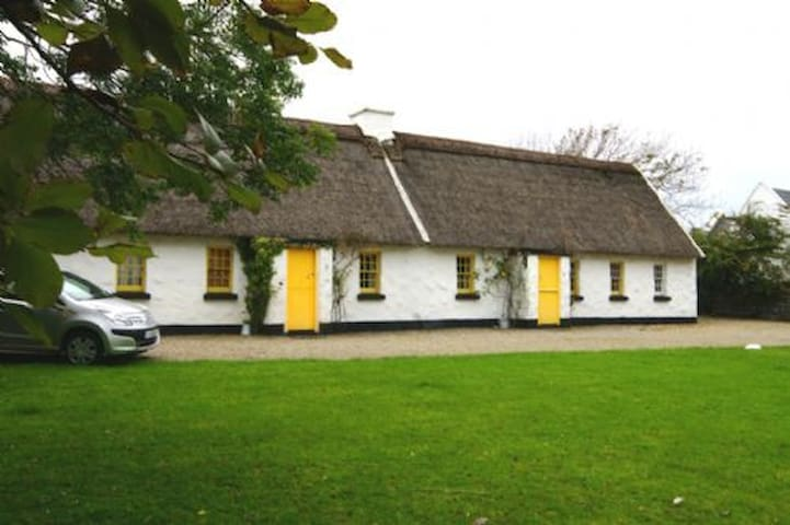Ballyvaughan Holiday Cottage  3 Bedroom House Sleeps 6 - Ballyvaughan - House