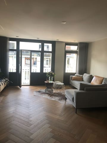 Lovely rooftop terrace apartment near Vondelpark