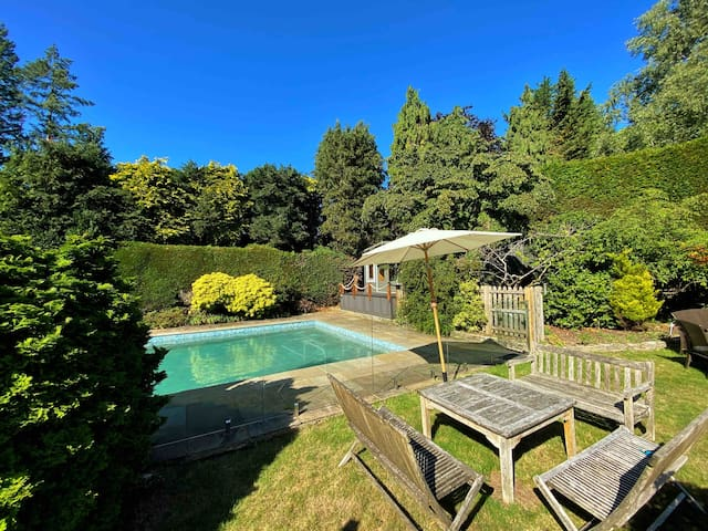 Retreat-like home with large pool & yoga studio
