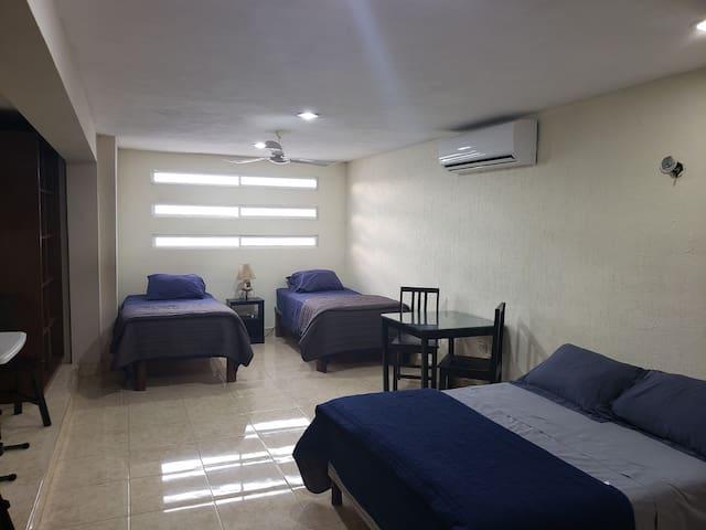 Cómoda habitación de visitas en zona residencial