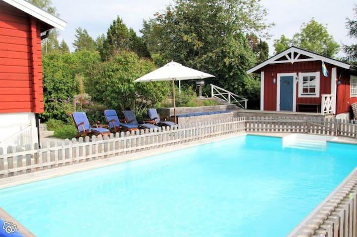 Lovely house with pool&sauna STO archipelargo