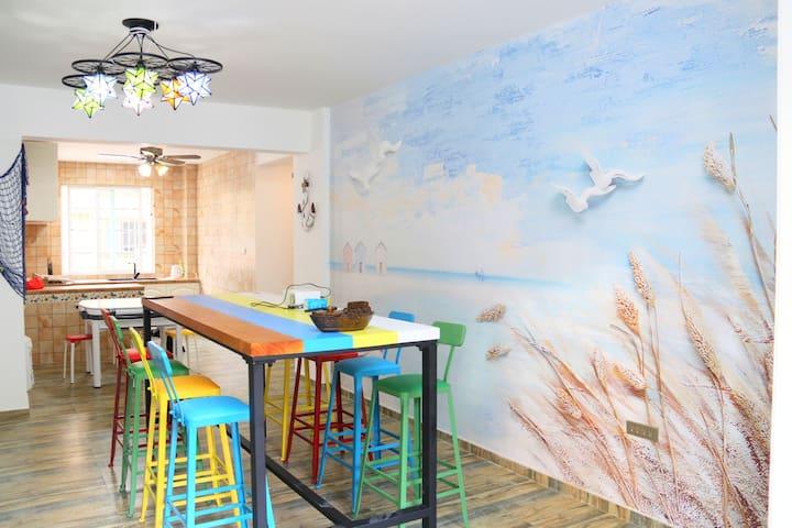 洞头[天海·一舍]民宿套房四室位于彩虹村东岙沙滩景点附近