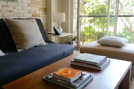 Urban Industrial 1br loft BGC - Bonifacio Global City