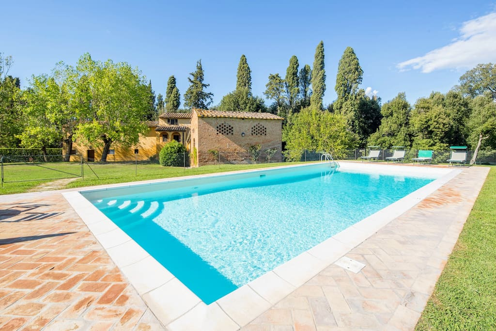 swimming pool, with paved area