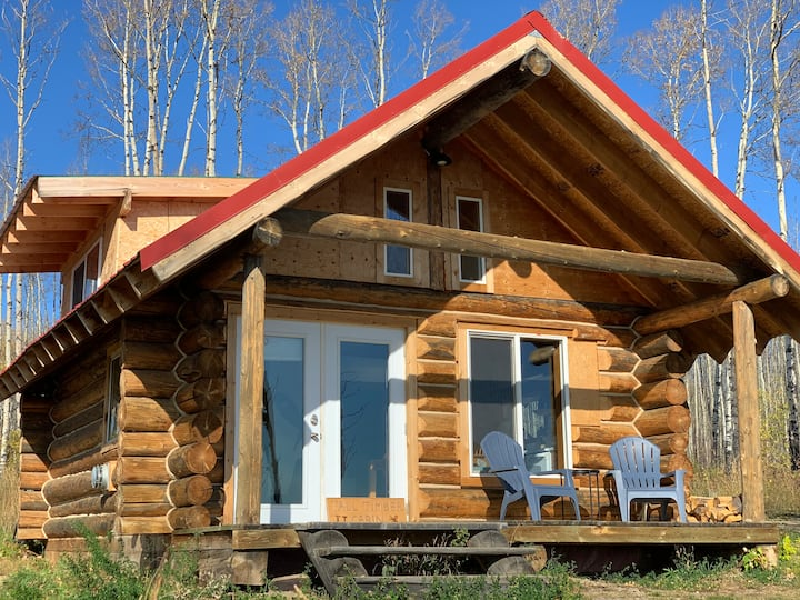 Secluded Cabin with View, Minutes from FSJ