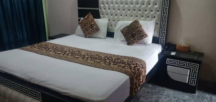 Paradise Hotel Johar Town
