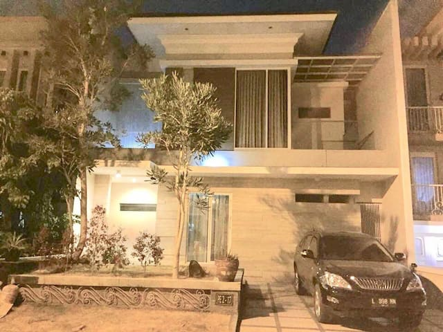 Mike's House - Single Bedroom. Pakuwon Area.