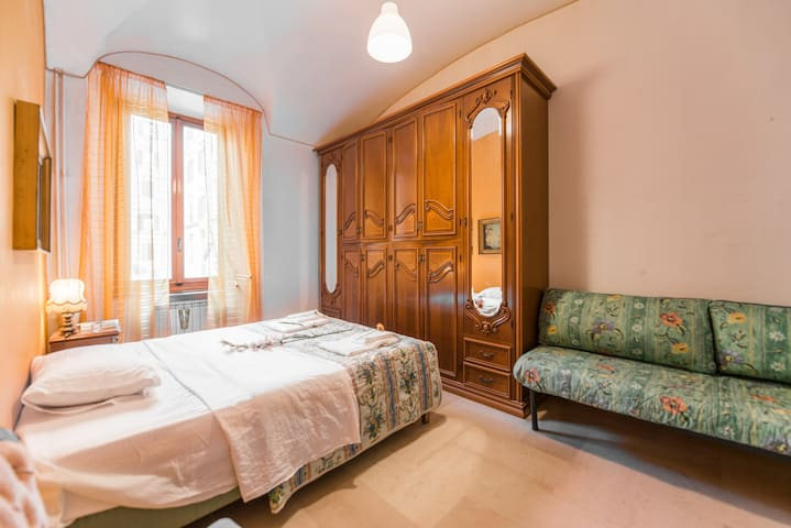 .Cozy quiet Room! 10min COLOSSEO! 15min TERMINI#3