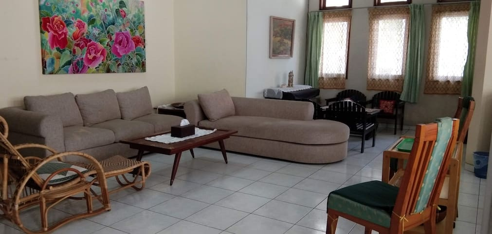 Bumiku House - an Oase in busy Surabaya Centre