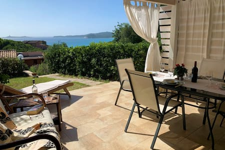 Villa 200yd from beach with a fantastic seaview.