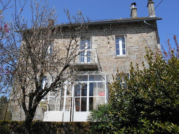 Corrèze : Grande maison - Coeur de ferme