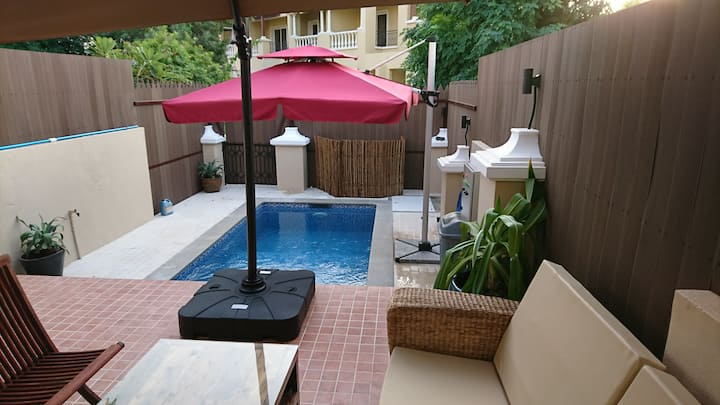 Dar 66 Townhouse Private Pool 2BR Walk to Beach