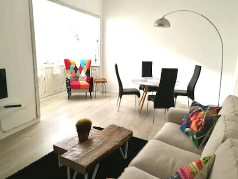 Spacious 2-bedrooms apartment next to tramway