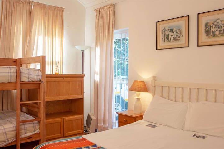 Спалня 6