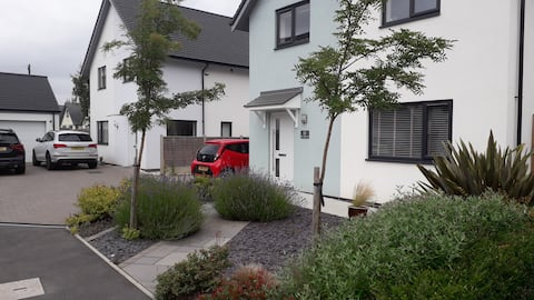 Modern self contained annexe in village location