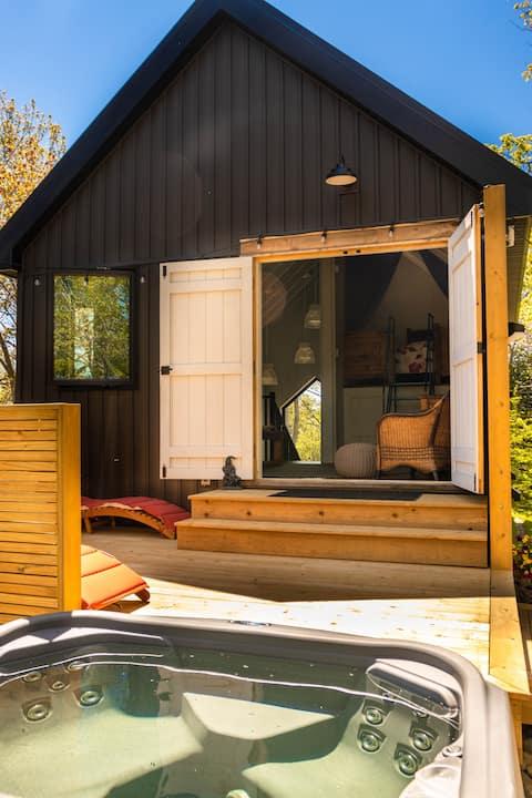Entire Nature Getaway Cottage Herring Cove Village