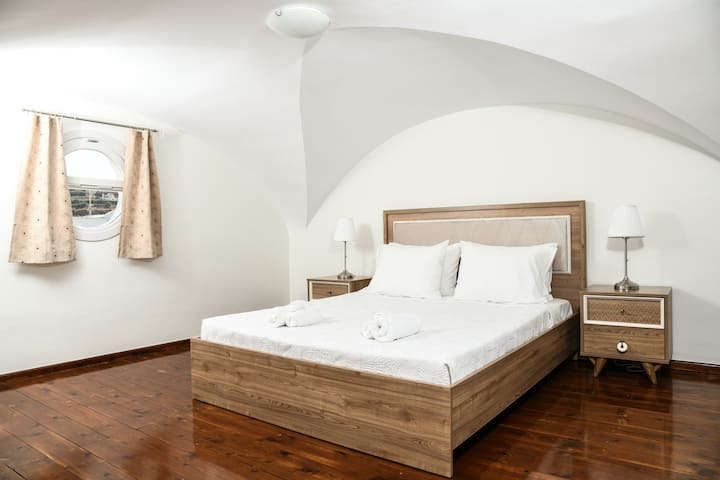 One bedroom apartment in Emporio central square