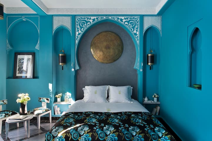 Riad Hel'lo : Cobalt bedroom