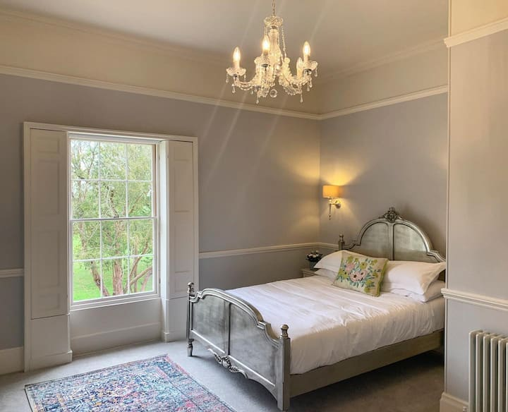 """Luxury Country Bed & Breakfast """"The Walbro Suite"""""""