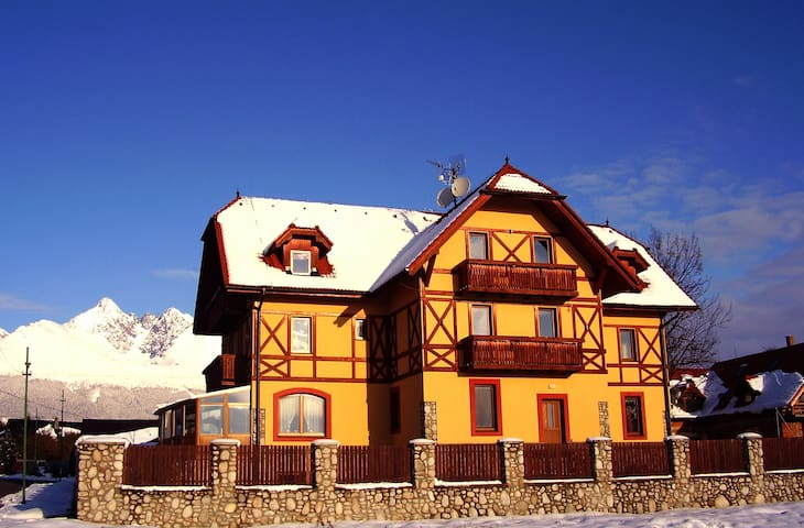 Guesthouse BADO***, High Tatras - Stará Lesná - Bed & Breakfast
