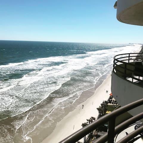 Oceanfront in Daytona Beach Shores -2 bed & 2 bath