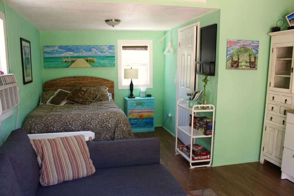 Bedroom nook w/ beachy vibe!