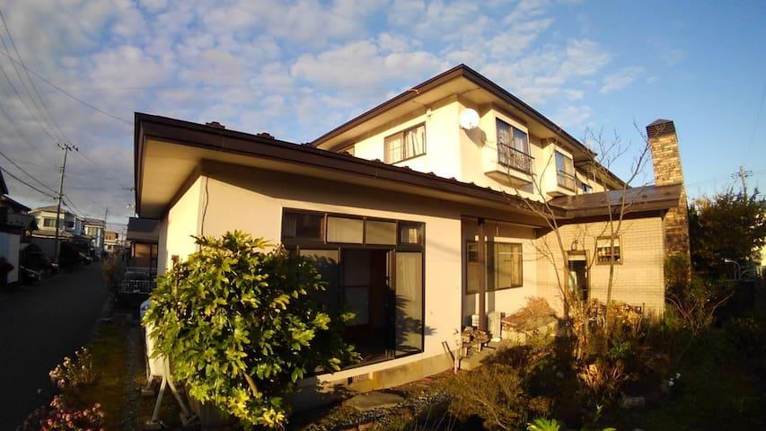 広々一軒家1フロア/秋田観光の拠点に/無料Wi‐Fi