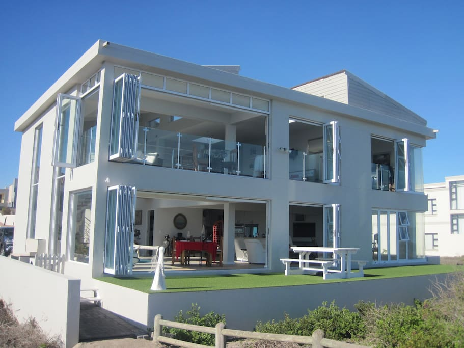 evizel beach front home h user zur miete in langebaan westkap s dafrika. Black Bedroom Furniture Sets. Home Design Ideas