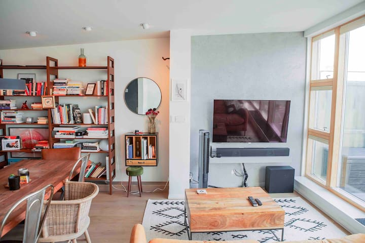 Designer penthouse with terrace in Shoreditch