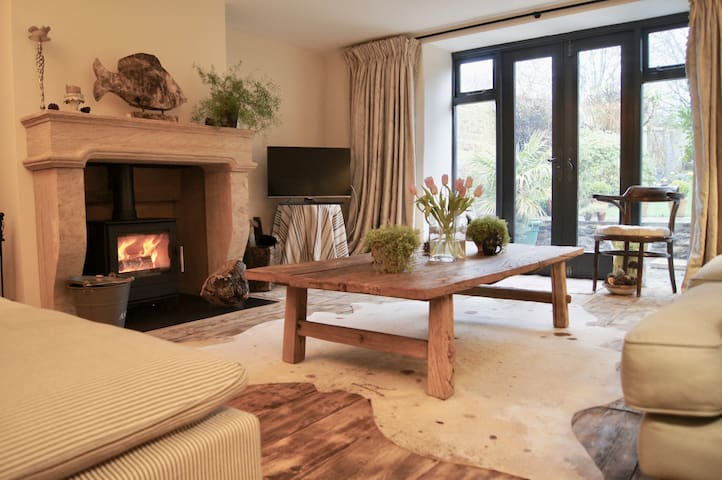 Grade ll listed Gorgeous Cottage