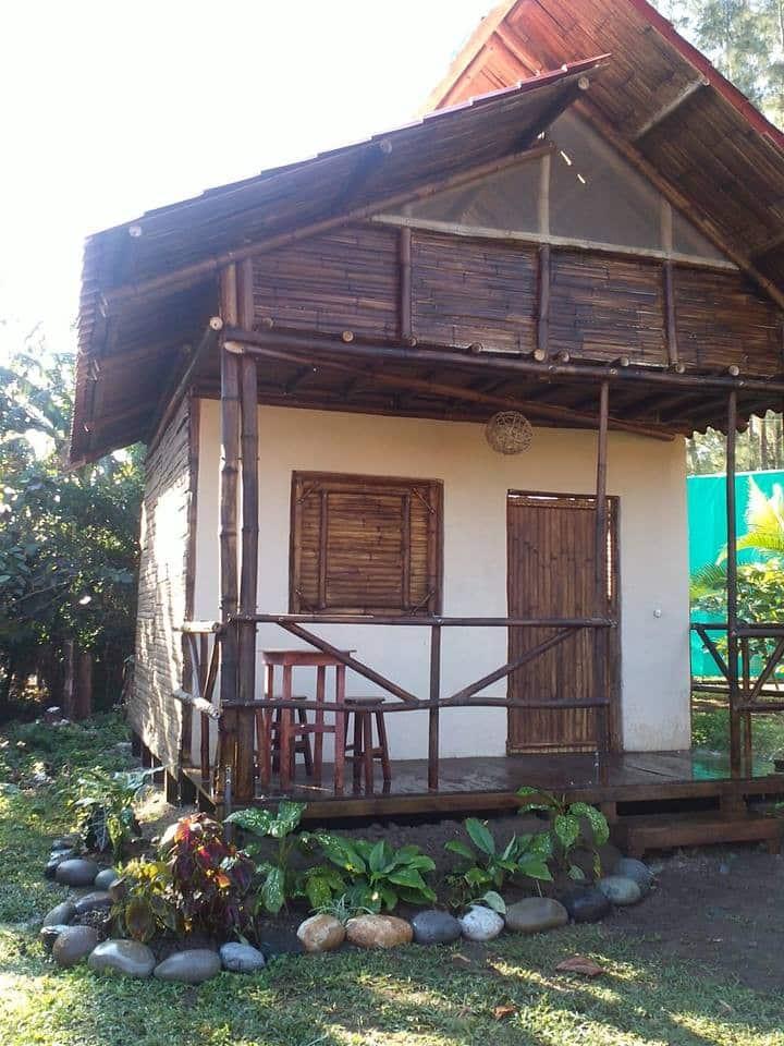 Cabaña de Bambú cerca de la playa #3