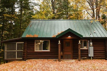 Peaceful & Rustic Log Cabin