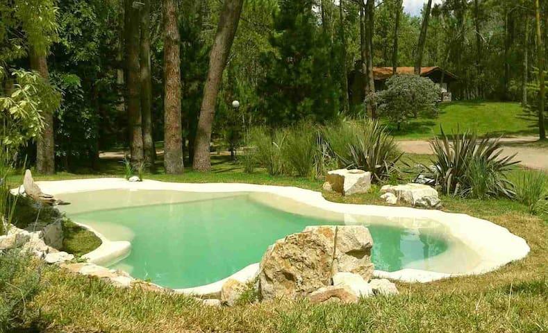 Casa de gran tamaño con parque y piscina - Cariló