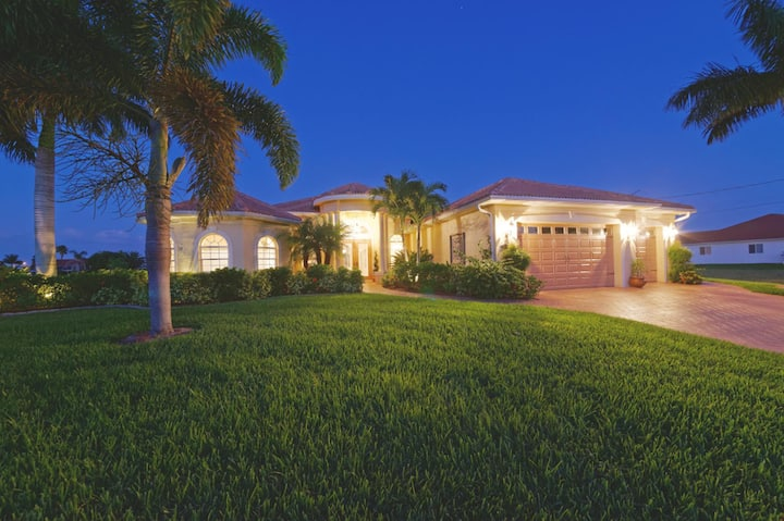 Wischis Florida Vacation Home - Coconut Key in Cape Coral
