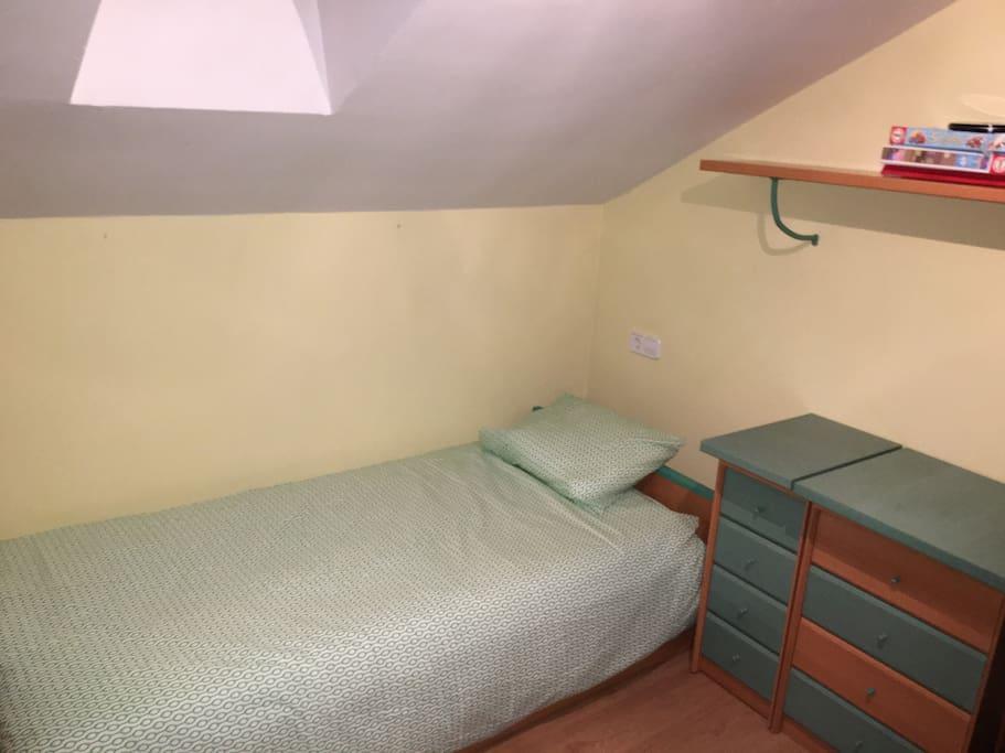 Habitación con nido de dos camas