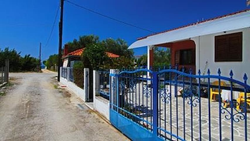 DETACHED 80sqm KARIANI BEACH KAVALA - paralia karianis - Rumah