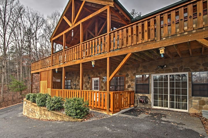 2BR Near Gatlinburg and Pigeon Forge! - Cosby - Kabin