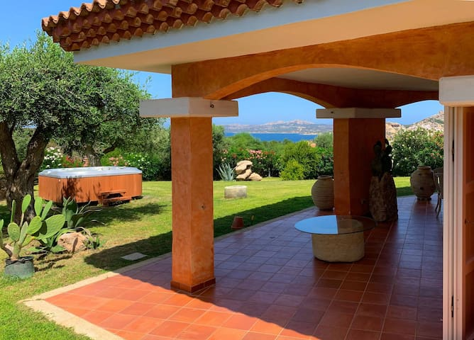 Villa Penelope – Wonderful luxury villa in Palau