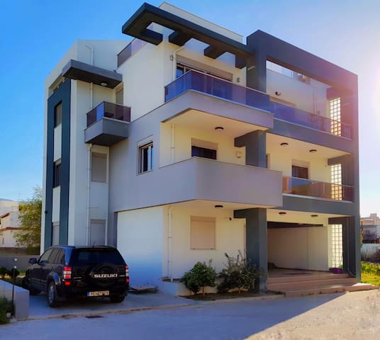 THE LOFT RETHYMNO SEASIDE LUXURY HOUSE