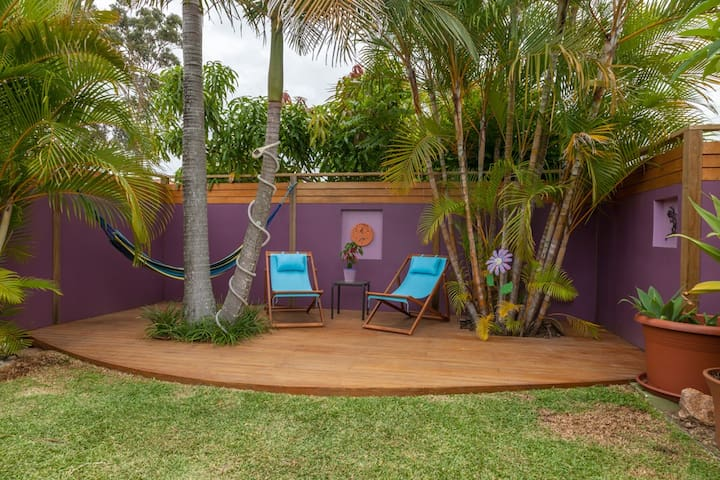 Private Oasis in Ideal Location. - Robina - House