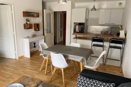 Appartement récent de 42 m2 à 2 min de la plage