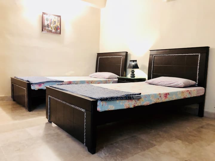 Twin Bed Room for Families