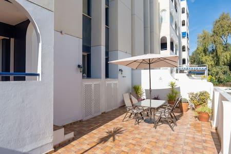 Apartamento frente a la playa con gran terraza