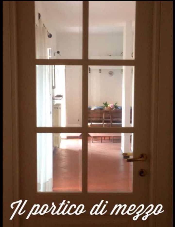 Il portico di mezzo  (codice CITRA 011011-LT-0034)