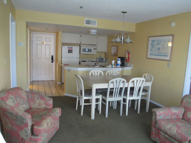 2 Bed/2 Bath Standard W/Breakfast & Wi-Fi/4