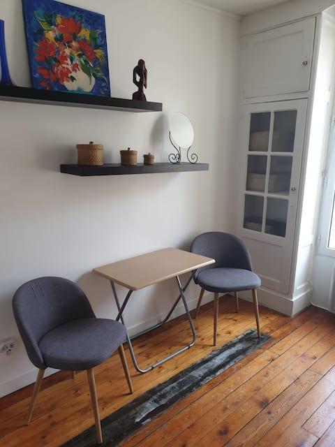 Studio calme et lumineux proche Montmartre