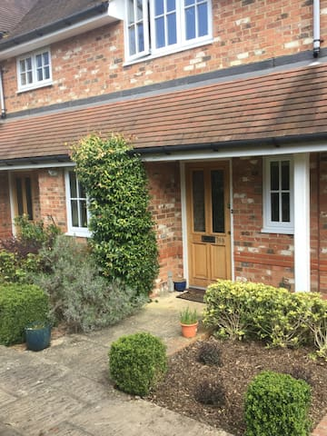 2 BEDROOM COTTAGE HENLEY ON THAMES - Peppard Common - Casa